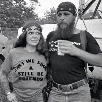 21 T-Shirt Slogans Saying It Loud And Dirty In The 1970s (NSFW)