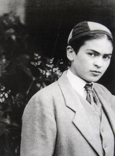 frida khalo dressed as a boy