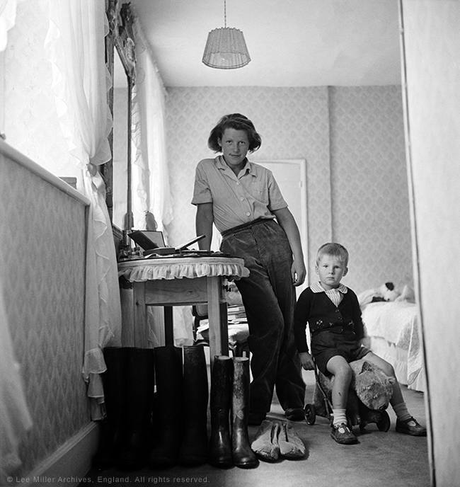 ady Mary Dunn and young evacuee, England 1941' by Lee Miller