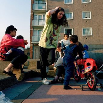 Superb Photos Of Life On A 1991 British Social Housing Estate