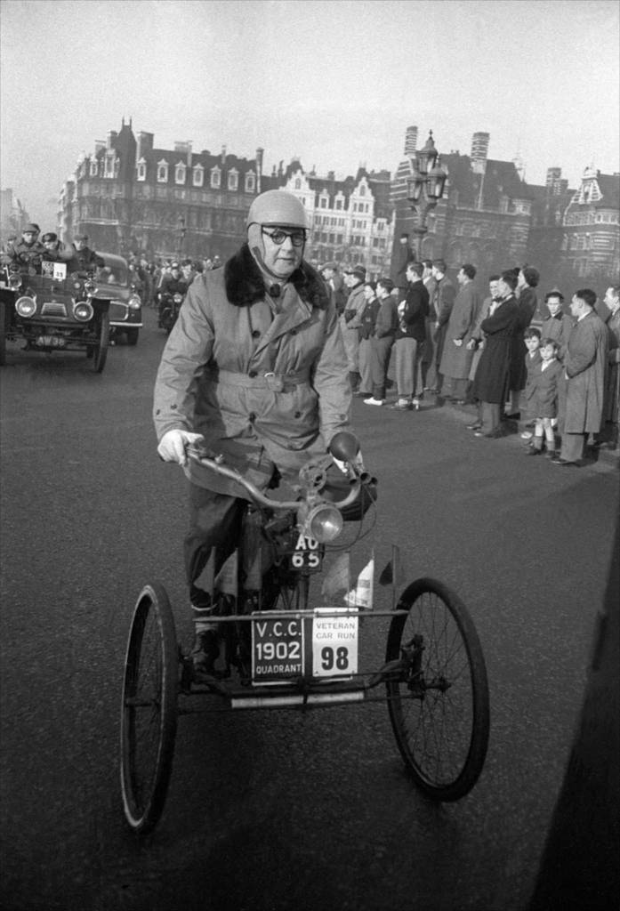 1954, London, old car race