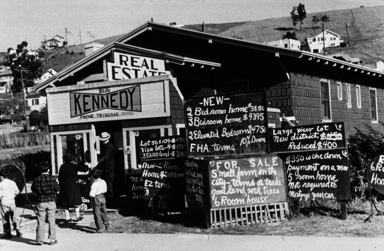 real estate office in Oakland, California. (Photo by Dorothea Lange/Getty Images)