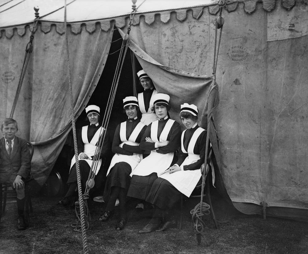 July 1919: Waitresses at the Lyons Club annual sports meeting at Sudbury Hill (Photo by Topical Press Agency/Getty Images)