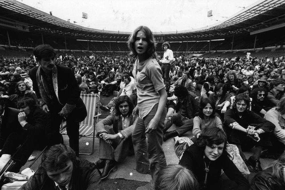 August 1972: The audience in the arena at the Rock 'n' Roll Festival, Wembley, North London. (Photo by Evening Standard/Getty Images)