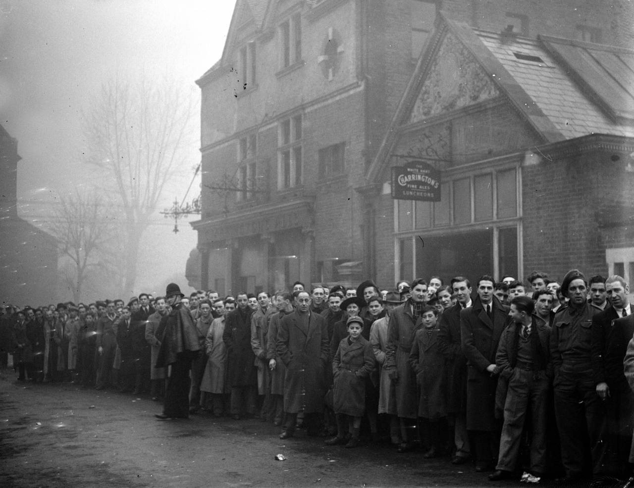 21st May 1945: Part of the queue outside Tottenham's ground for the football match between Arsenal and Dynamo Moscow. (Photo by William Vanderson/Fox Photos/Getty Images)