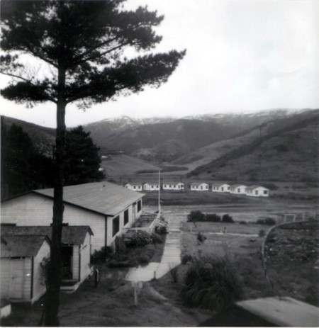 The Muir Beach Lodge, circa 1948, site of an Acid Test on either December 11 or 18, 1965. Via bellobeach.com.