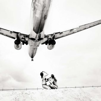 Incredible Photos of Planes Passing Just Over Maho Beach