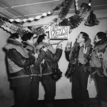 Boxing Day In Pictures: Wonderful Photos Of December 26 (1900-2000)