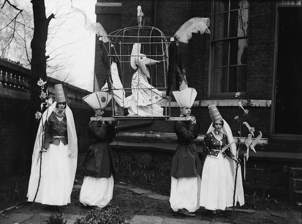 ecember 1928: A stunt group perform at the Chelsea Arts Ball. (Photo by Fox Photos/Getty Images)