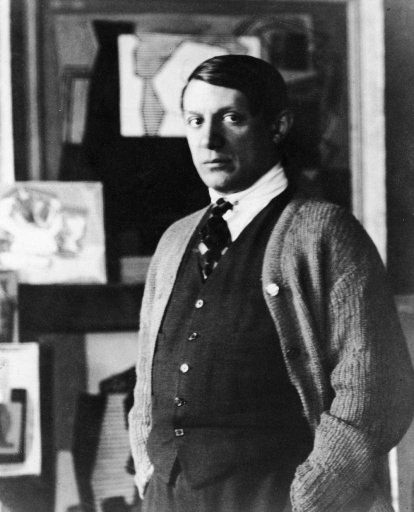 Portrait of Spanish painter Pablo Picasso (1881 - 1973) standing in his studio, 1920s. (Photo by Hulton Archive/Getty Images)