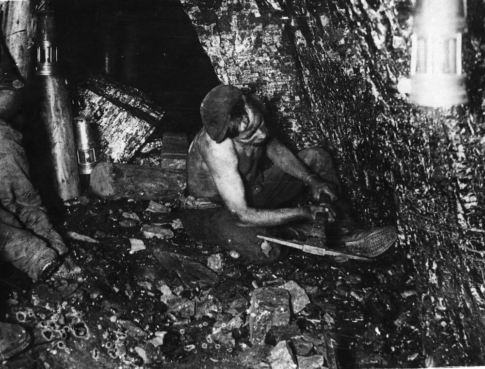 circa 1915: A British coal miner at work. (Photo by Hulton Archive/Getty Images)