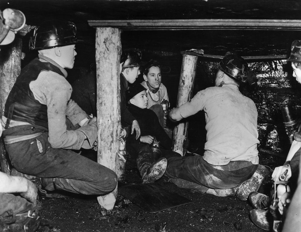 7th November 1939: Young school leavers are given instruction in the essentials of coal mining. Youngsters such as these are much needed by the industry to replace the men that have joined up to fight in the war. (Photo by Fox Photos/Getty Images)