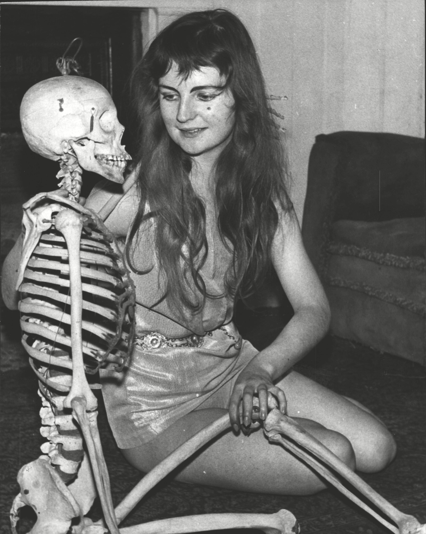 20-year-old Jill Tabor Who Has Been Chosen To The First Model Of The New Year At The Chelsea Arts Ball. (for Full Caption