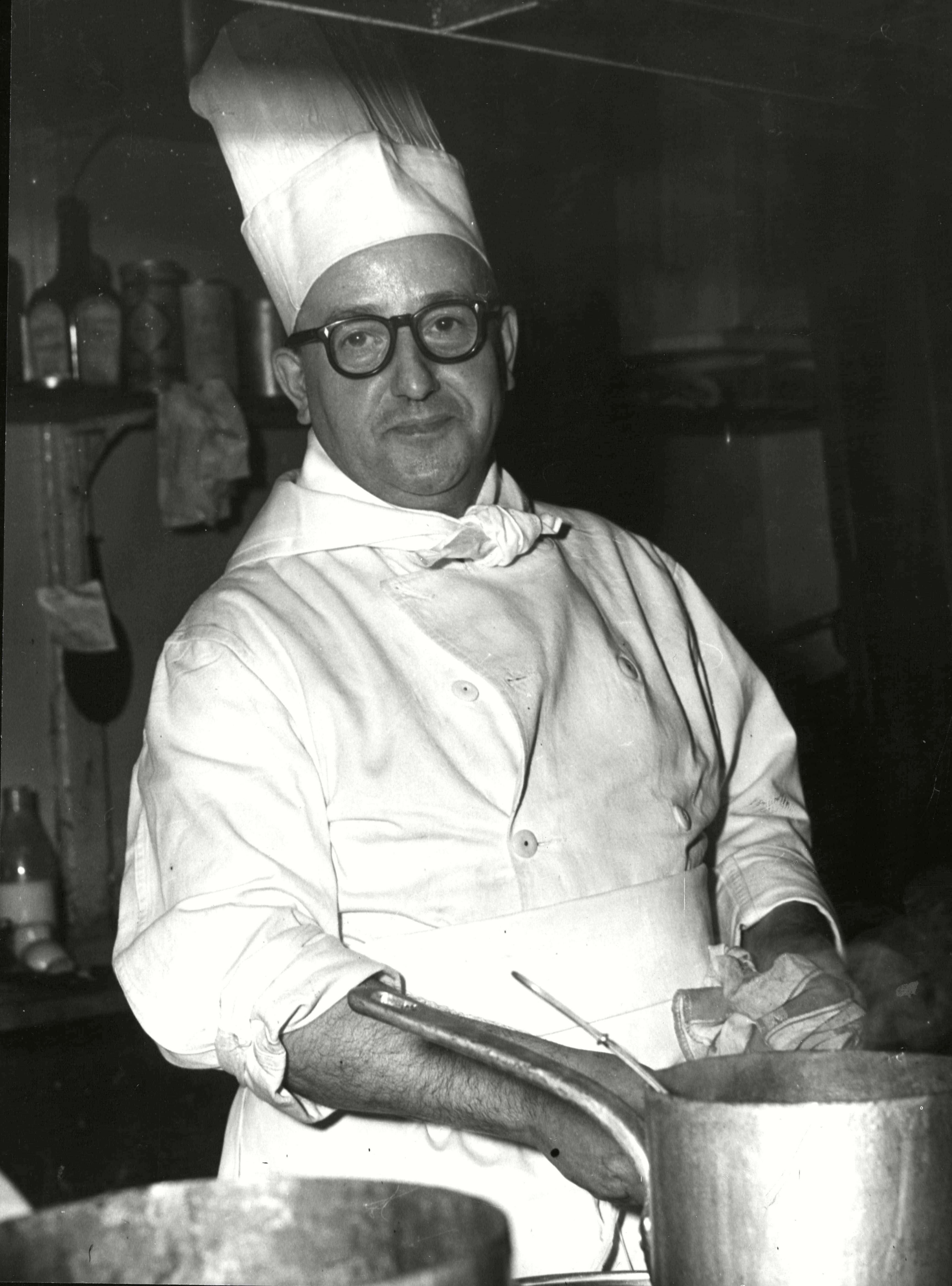 Chef John Wright Former Sergeant In The Catering Corps Cooking In The Kitchen Of The Moulin D'or Restaurant Soho 27 Dec 1955 Photo by Frank Hudson/ANL/REX/Shutterstock