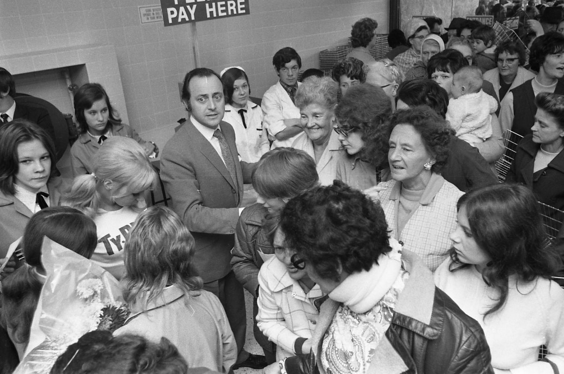 David Jacobs Reading Tesco crowd 1971