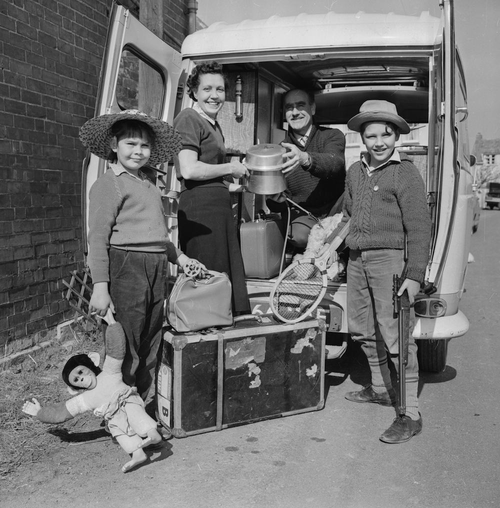 3rd March 1963: Mr William Bulgen and his family pack their van for a trip to South Africa. (Photo by Reg Lancaster/Express/Getty Images)