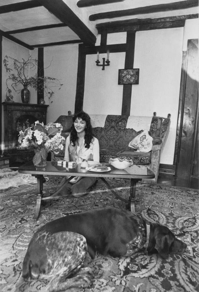 English singer-songwriter and musician Kate Bush at her family's home in East Wickham, London, 26th September 1978. (Photo by Chris Moorhouse/Evening Standard/Hulton Archive/Getty Images)