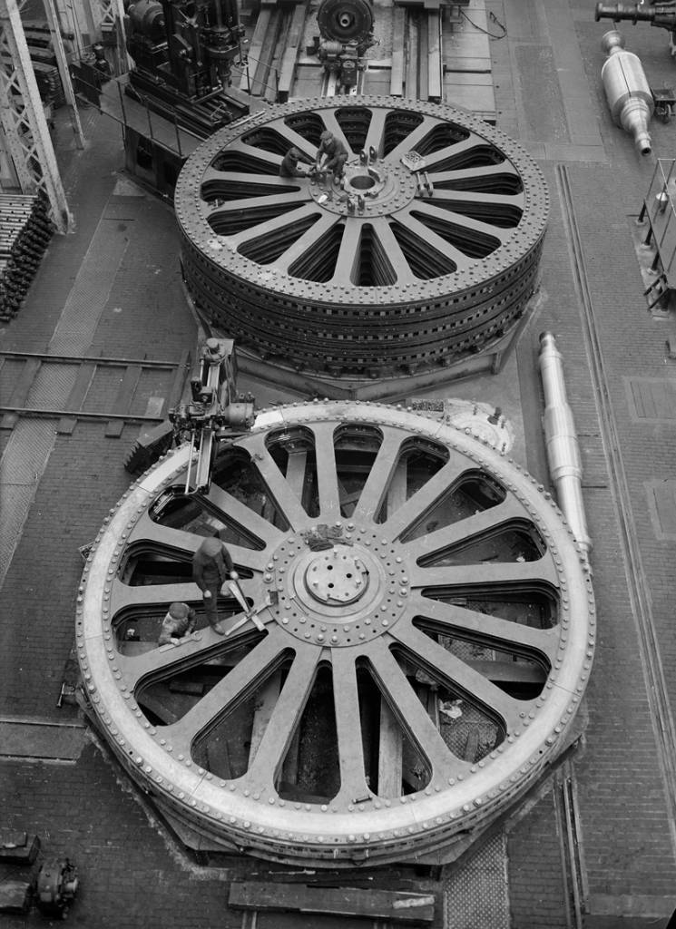 The sources of energy. Alsthom: Fitting alternators flying Kembs. Alsthom Company. Belfort (Territoire de Belfort) 1931-1934