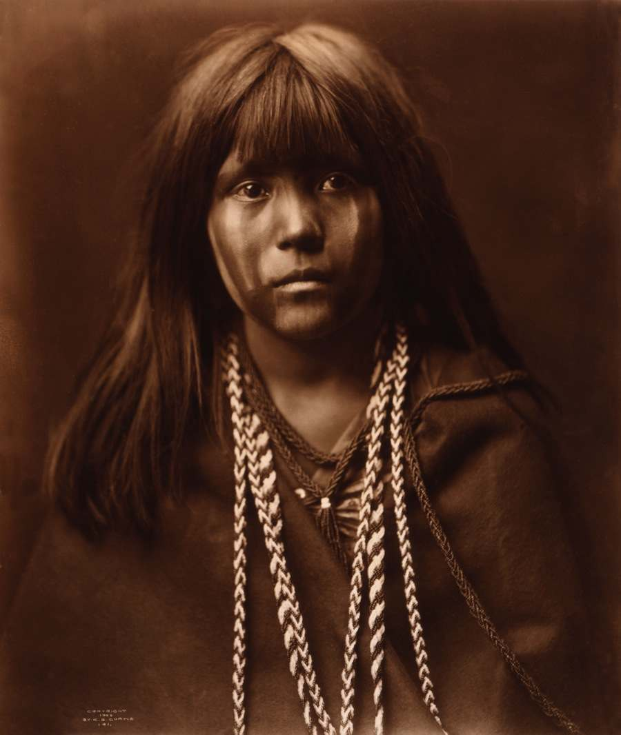 Mosa,_Mohave_girl,_by_Edward_S._Curtis,_1903