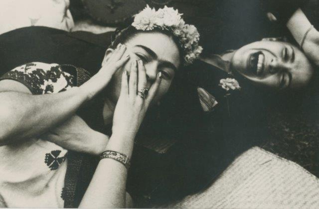 Nickolas Muray, Frida Kahlo with Chavel Vargas (1945).