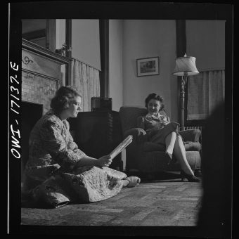 Life In A Washington DC Boarding House For Government Workers (1943)
