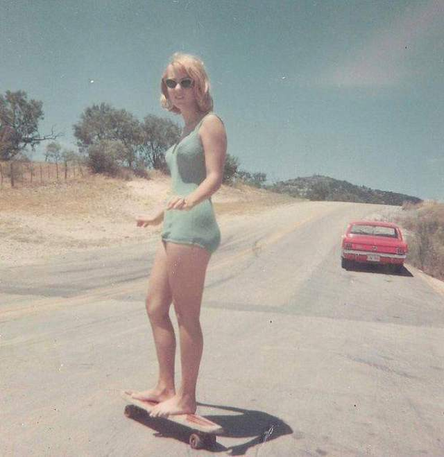Found Photos: Women Hanging Out In The 1960s