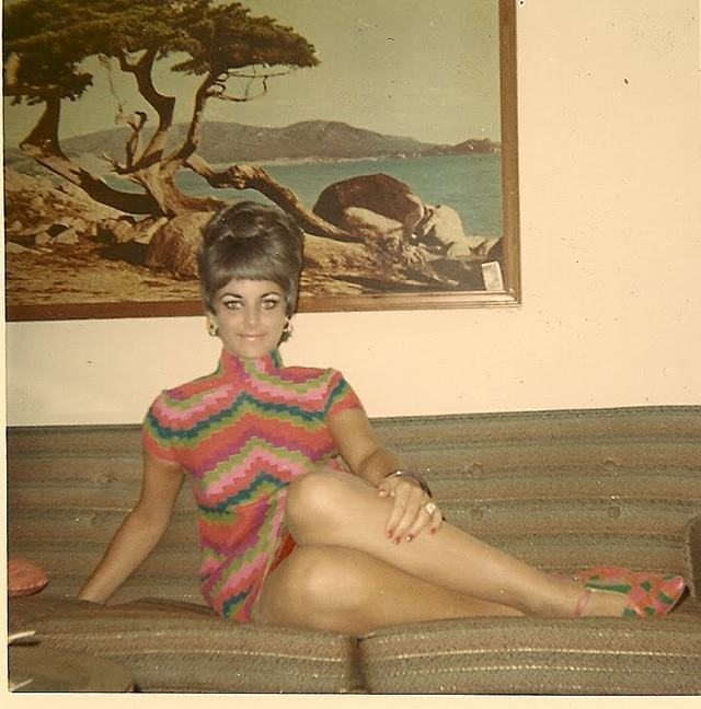 Found Photos: Women Hanging Out In The 1960s - Flashbak