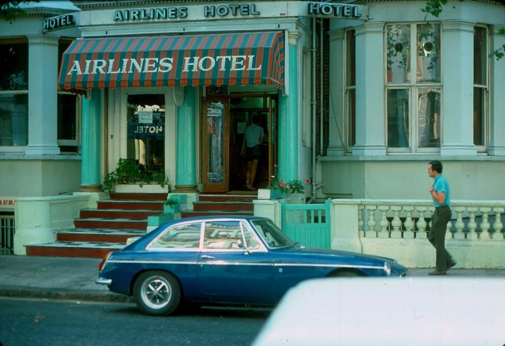 Airlines Hotel Earls Court 1976 KH