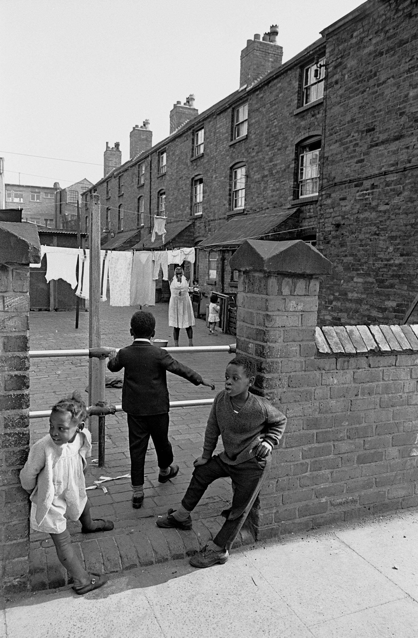 Photos Of Slum Life And Squalor In Birmingham 1969-72