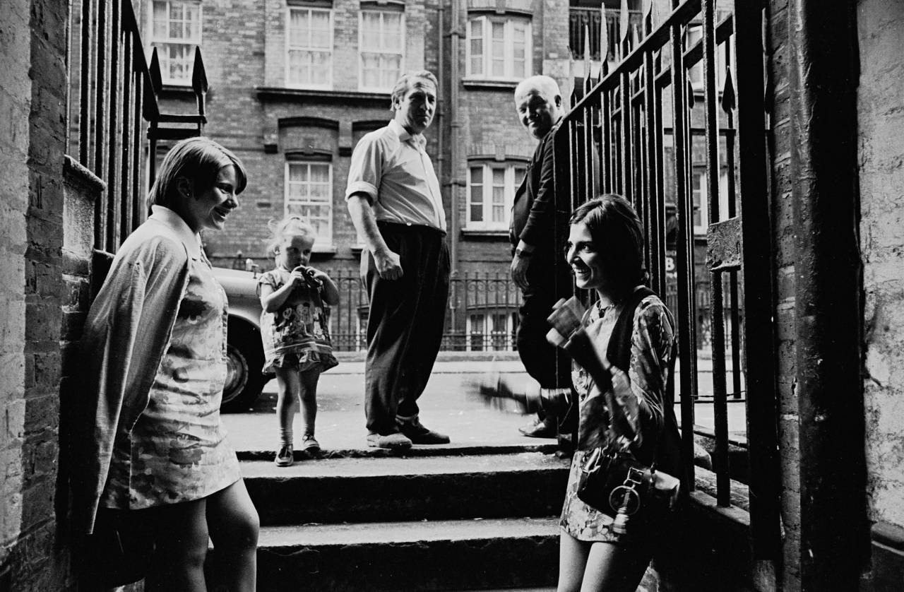 Conversation at the entrance to the Rothschild Dwellings 1969