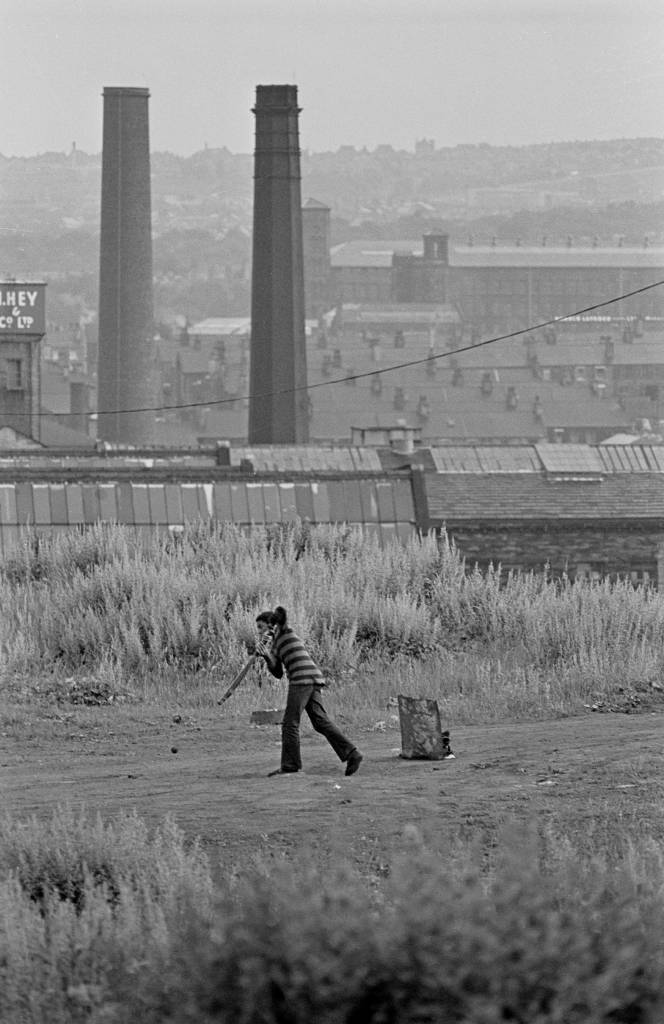 Cricket on wasteground, Bradford 1972 452-8