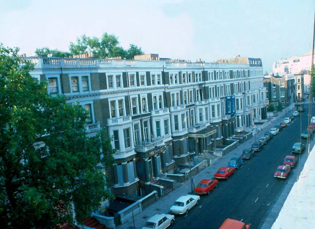 Earls Court 1976 KH Road with Mowbray Court Hotel