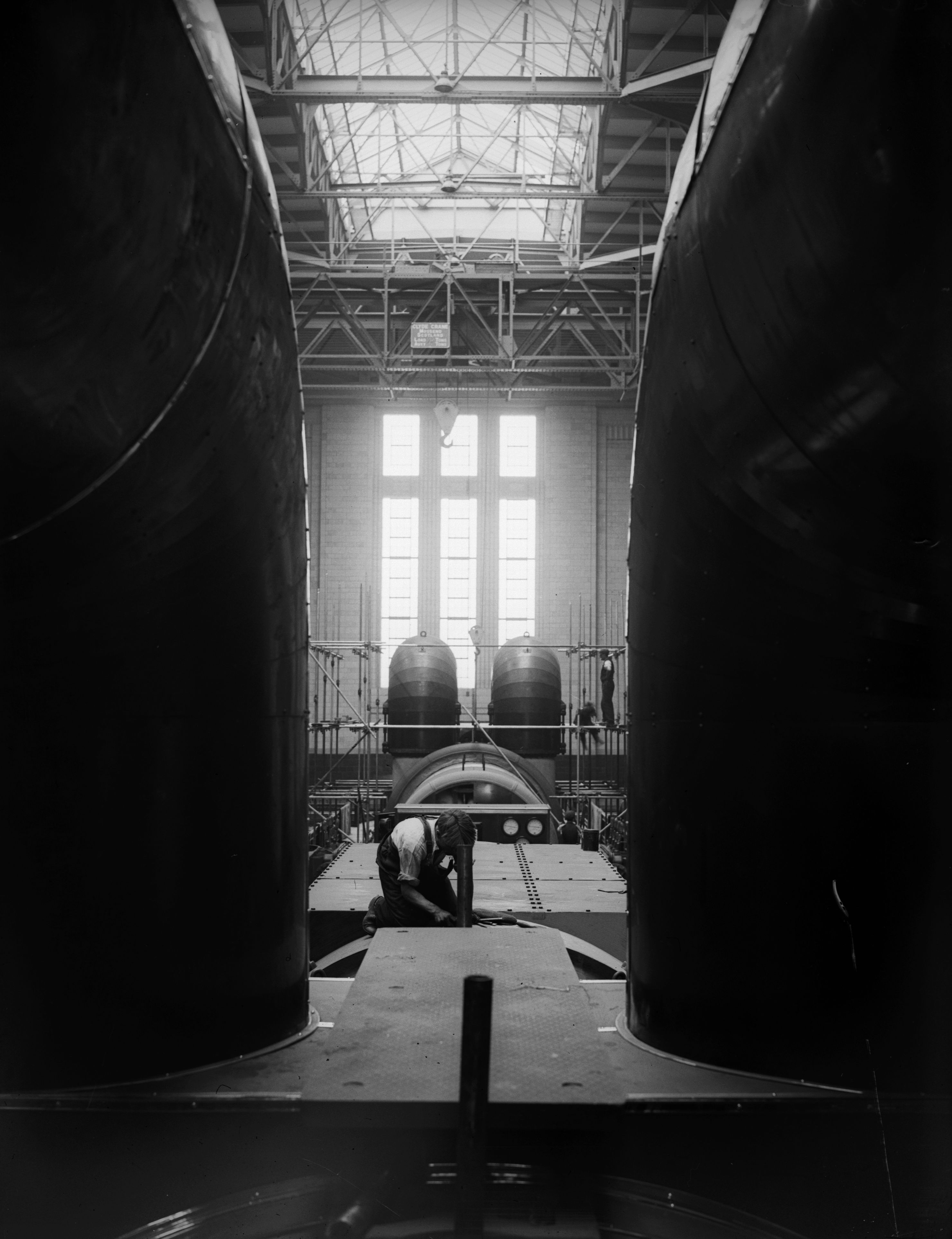 10th July 1933: A worker inside London's Battersea Power Station. (Photo by Fox Photos/Getty Images)