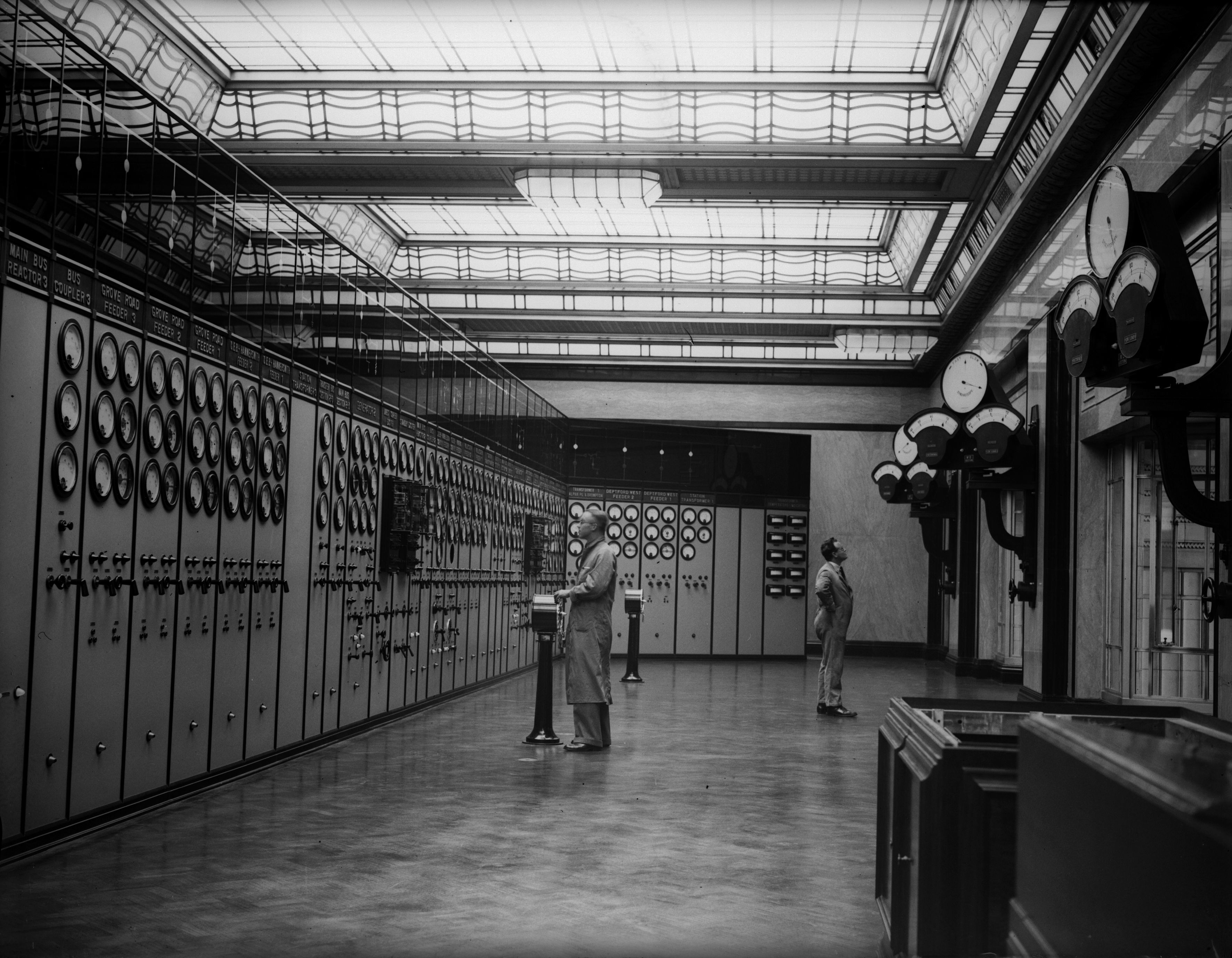10th July 1933: The control room of Battersea Power Station, from which the feeders supply various regions of London with electricity. (Photo by Fox Photos/Getty Images)