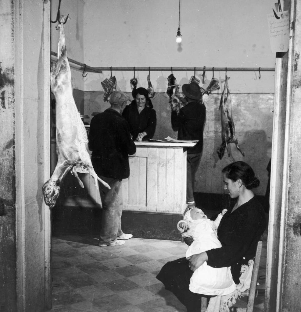circa 1955: A butcher's shop in the Italian town of Melfi. (Photo by Charles Fenno Jacobs/Three Lions/Getty Images)