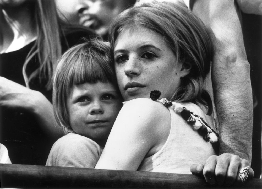 5th July 1969: Marianne Faithfull and her young son Nicholas attend a Rolling Stones concert in London's Hyde Park. She is currently divorcing her husband John Dunbar to be with her boyfriend, singer Mick Jagger. (Photo by Ian Showell/Keystone/Getty Images)