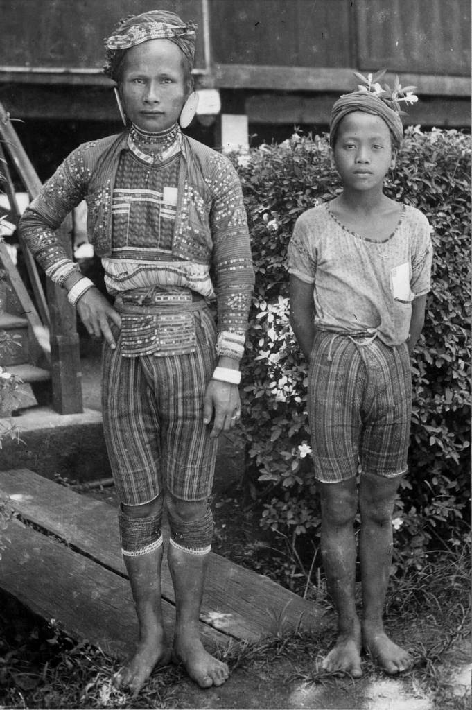 7th September 1926:  Two native Moros of the Bogabo tribe from the Philipines  (Photo by Ewing Galloway/General Photographic Agency/Getty Images)
