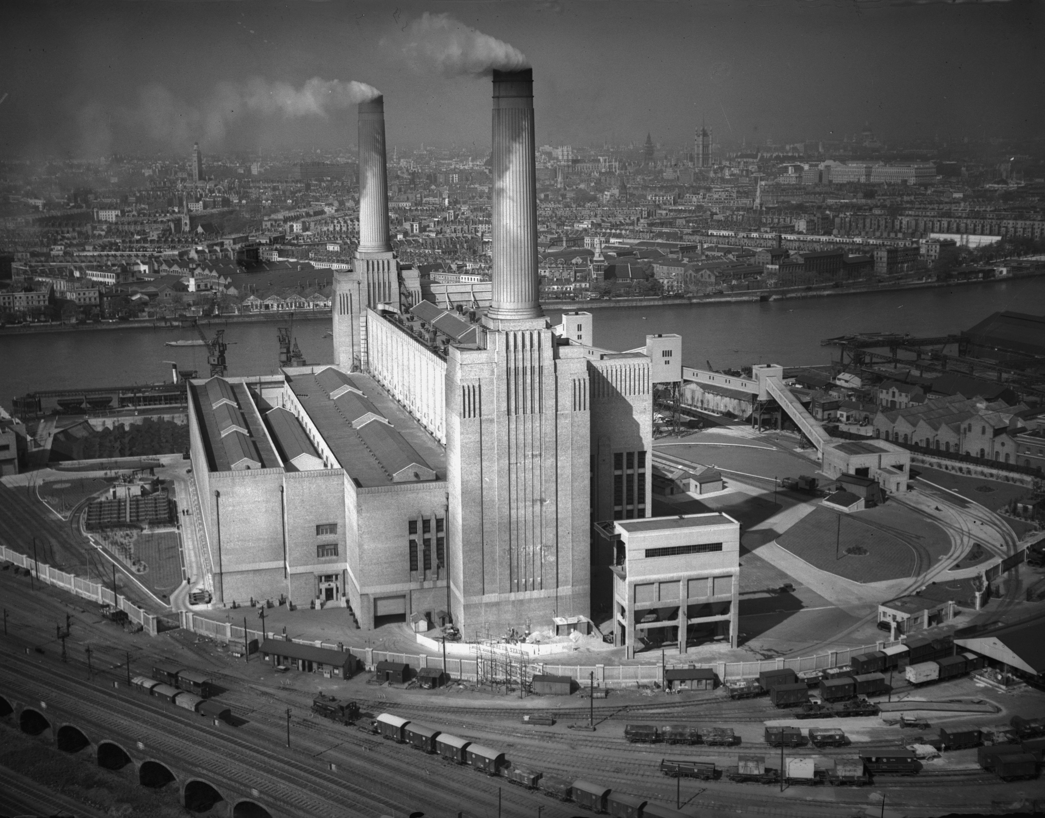 11th May 1934: Battersea Power Station on the River Thames in London, designed by architect Giles Gilbert Scott. The other two towers were not added until 1953, forming the familiar four-chimneyed silhouette. (Photo by Fox Photos/Getty Images)