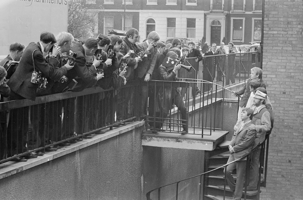 7th November 1966:  American rock group The Beach Boys meet members of the press the day after a concert at the Finsbury Astoria.  (Photo by Larry Ellis/Express/Getty Images)