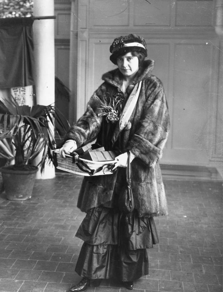 circa 1916: Actress Unity More at Selfridges, London, helping the war effort. More retired from the stage in 1915. (Photo by Hulton Archive/Getty Images)