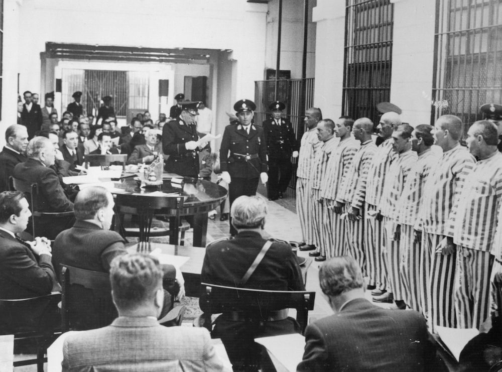 7th December 1938:  The Highest Tribunal of Uruguay, in one of the prisons of Montevideo.  (Photo by Fox Photos/Getty Images)
