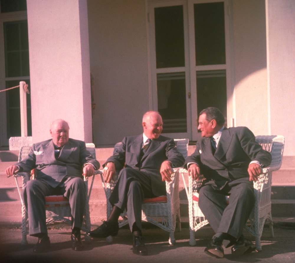 7th December 1953:  British Prime Minister Winston Churchill, American President Dwight D Eisenhower and French Premier Joseph Laniel at the Bermuda Conference.  (Photo by Hulton Archive/Getty Images)