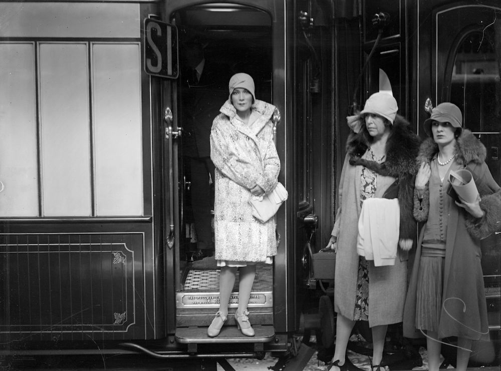30th August 1928: Mexican actress Dolores del Rio at the door of her railway carriage at Victoria Station, London, en route for the Continent. (Photo by London Express/Getty Images)