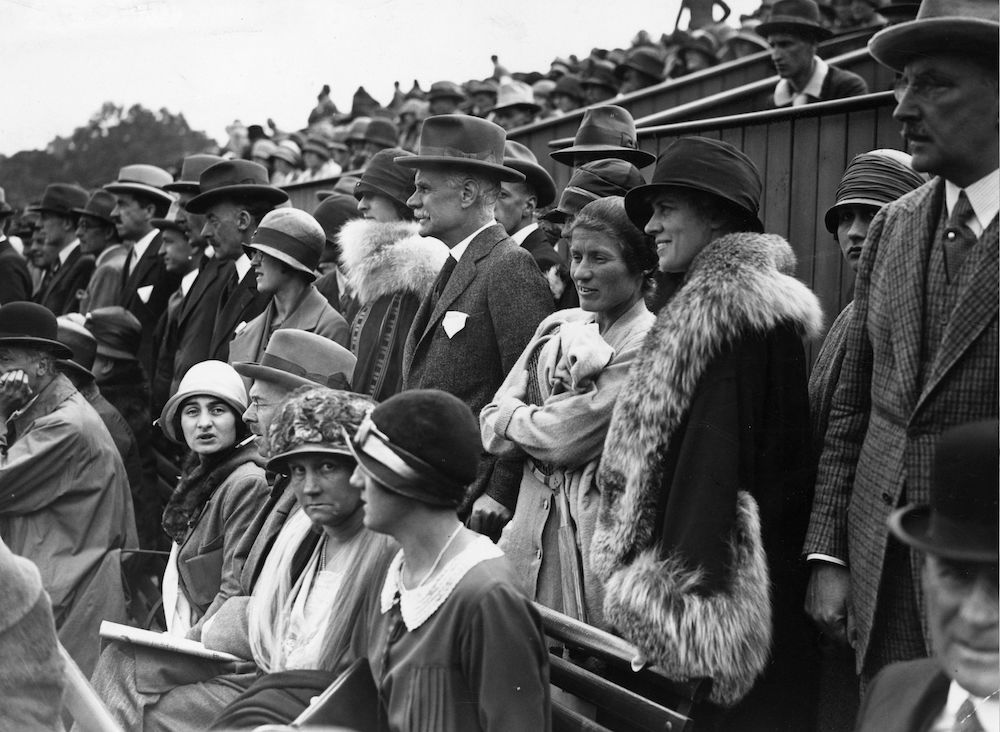 June 1925: A crowd watch the Lawn Tennis Championships at Wimbledon. (Photo by Topical Press Agency/Getty Images)