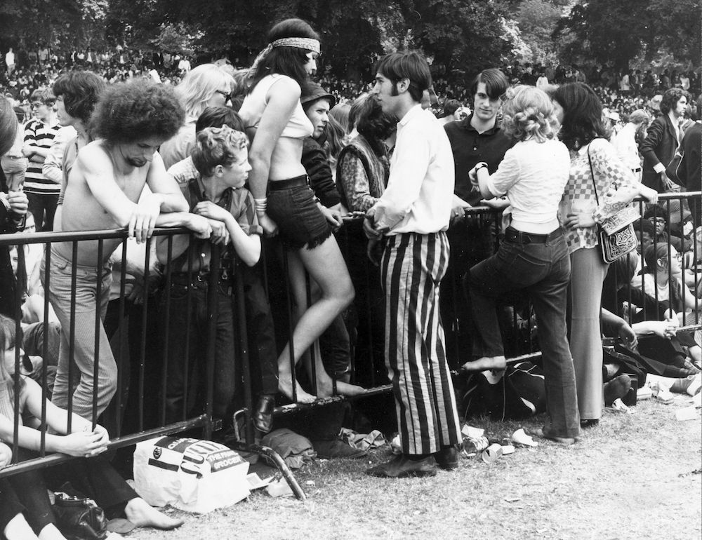 5th July 1969: A section of the 250,000 strong crowd gathered in Hyde Park, London, for a free concert by British rock group the Rolling Stones. (Photo by Harry Todd/Fox Photos/Getty Images)