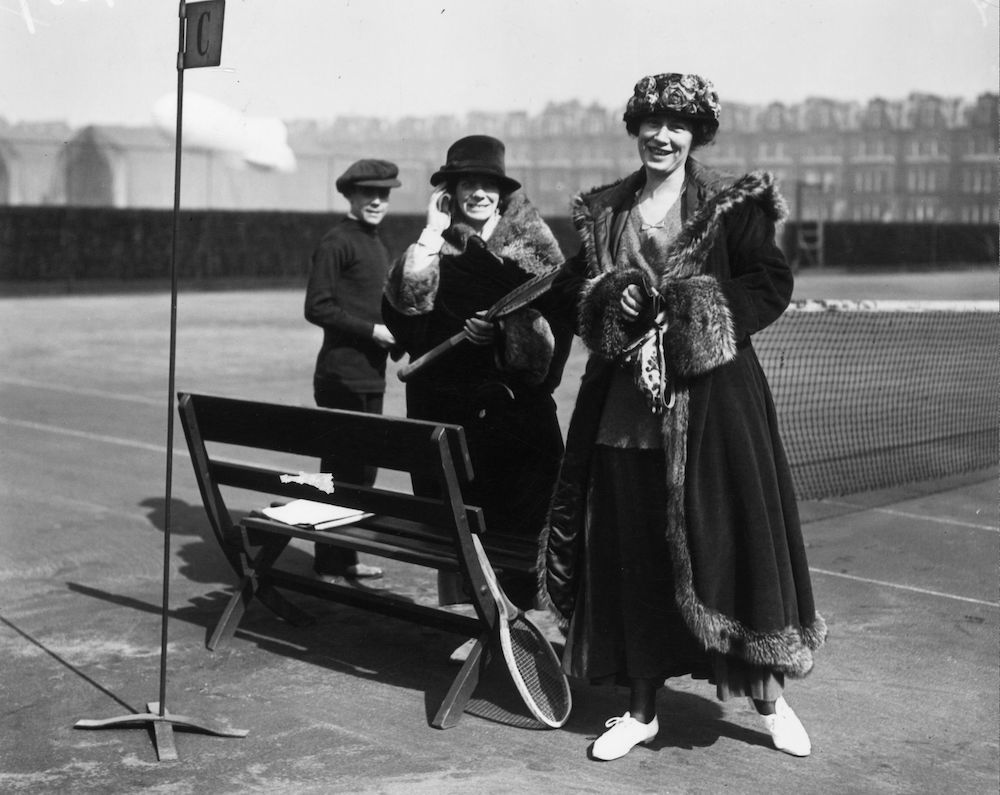 23rd March 1918: Mrs Mathieson and Lady Headfont at the Queen's Club tennis courts. (Photo by Topical Press Agency/Getty Images)