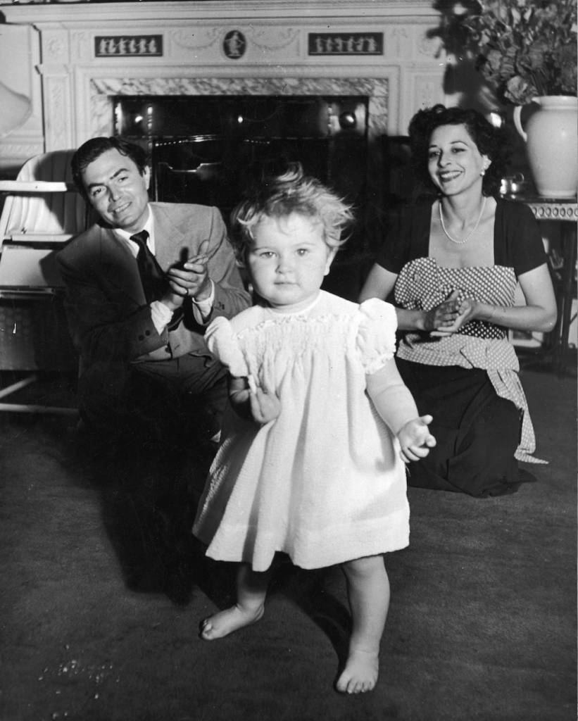 English actor James Mason (1909 - 1984) and his wife Pamela (1918 - 1996)  baby daughter Portland (1948 - 2004), 7th June 1950. (Photo by George Konig/Keystone Features/Hulton Archive/Getty Images)