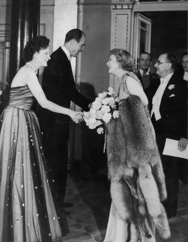 Esmond Cecil Harmsworth, 2nd Viscount Rothermere (1898 - 1978), the chairman of Associated Newspapers welcomes English actress Anna Neagle (1904 - 1986) and her husband, director-producer Herbert Wilcox (1892 - 1977) to the Daily Mail National Film Awards or Silver Stars at the Dorchester Hotel, 30th April 1947. Lord Rothermere and his wife are on the left. (Photo by Keystone/Hulton Archive/Getty Images)