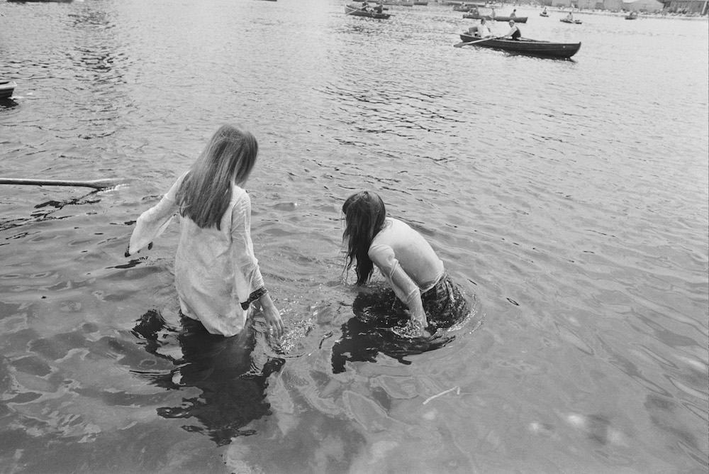 Teenage girls cooling off in the Serpentine during the Rolling Stones concert in Hyde Park, London, 5th July 1969. (Photo by Reg Burkett/Express/Getty Images)