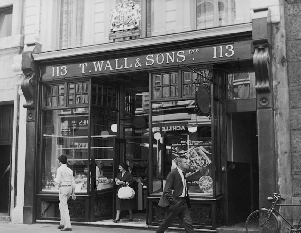 T. Wall & Sons Ltd, a well-known butcher's shop at 113 Jermyn Street, London, 26th May 1970. (Photo by Fox Photos/Hulton Archive/Getty Images)